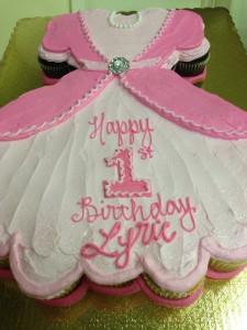 dress cup cake cake