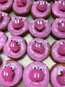 fyling pig donut