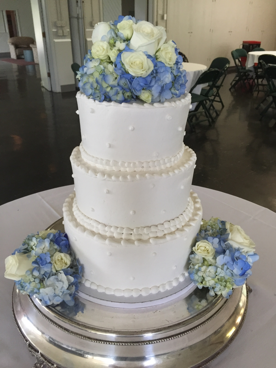 Gallery - Wedding Cakes - Wyoming Pastry ShopWyoming Pastry Shop